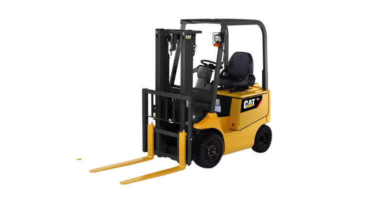 CAT BRAND NEW BATTERY POWERED 4-WHEEL FORKLIFT TRUCKS: GP40-55NTY